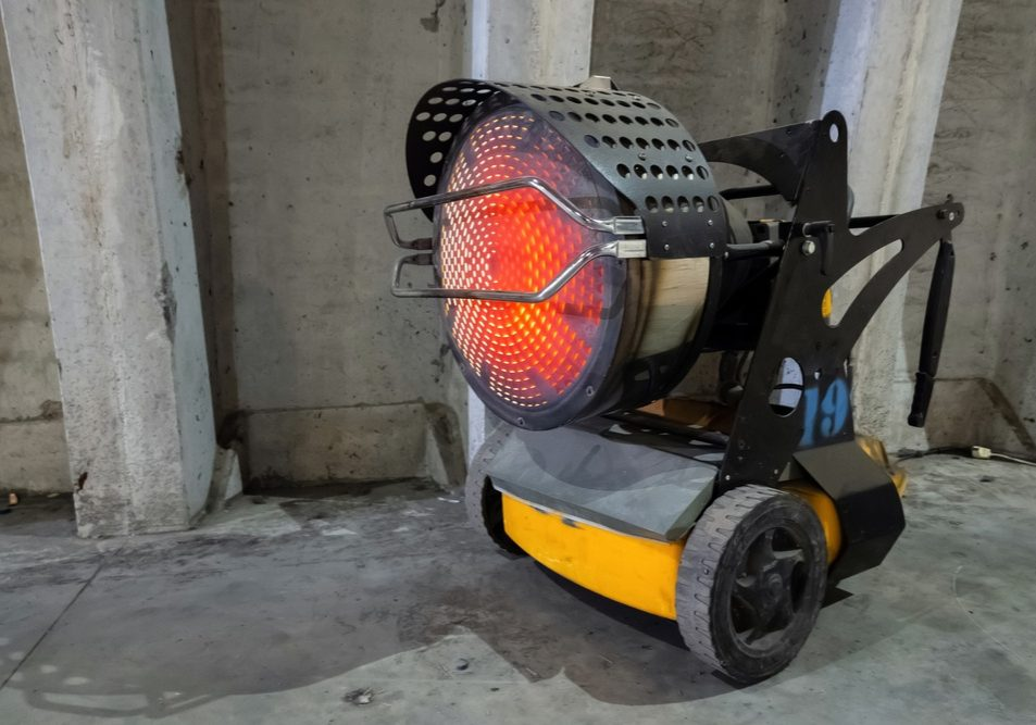 Heavy,Duty,Industrial,Heater,Blowing,Hot,Air,In,Cold,Building