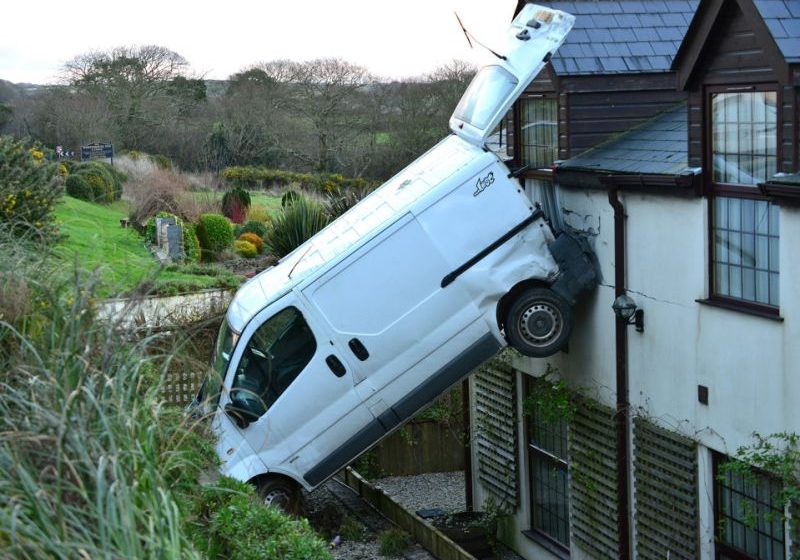 white-van-man-crash1-070213-jpg_114603